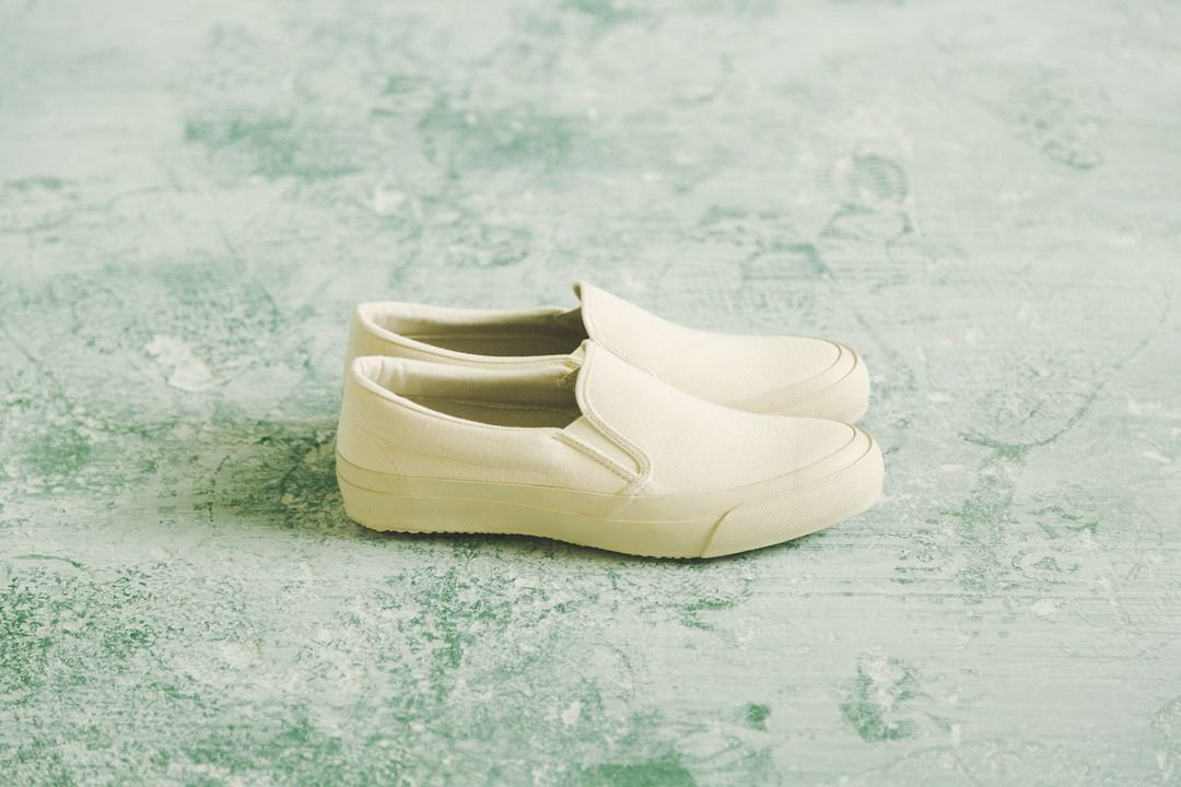 DOEK SHOE INDUSTRIES / SLIP ON - ECRU