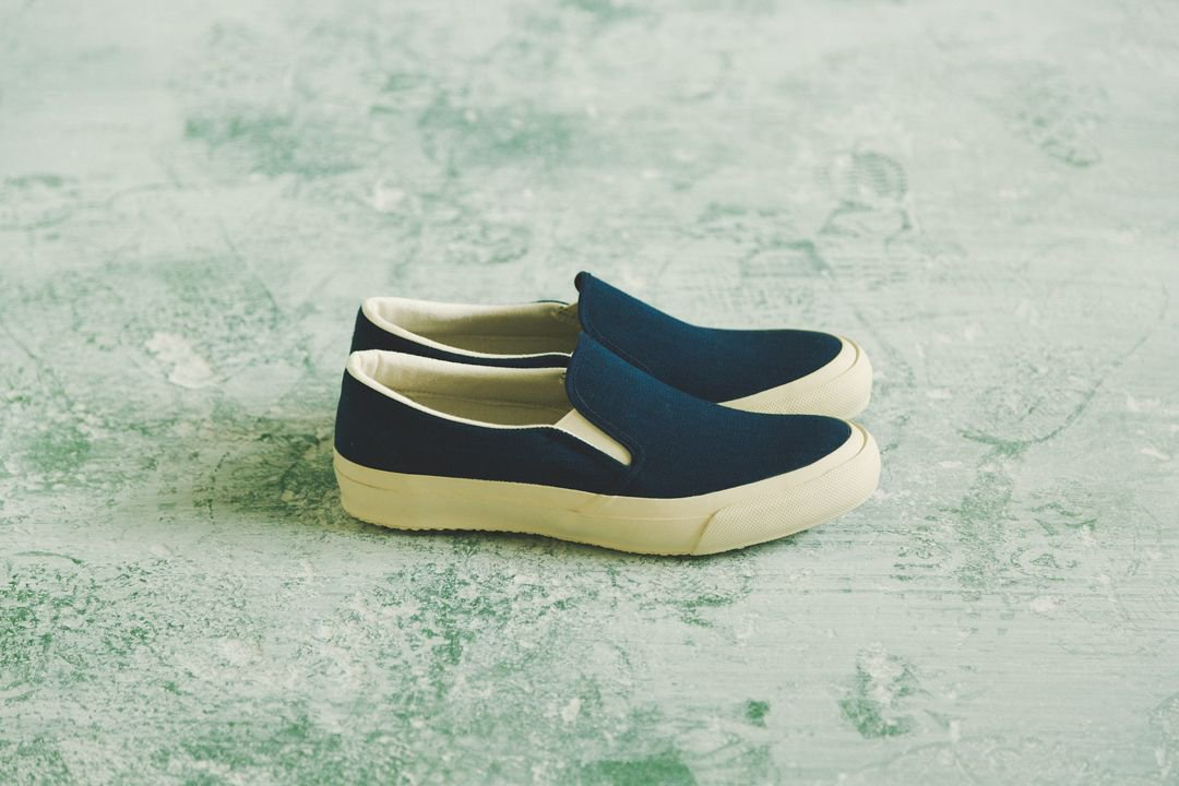 DOEK SHOE INDUSTRIES / SLIP ON - NAVY
