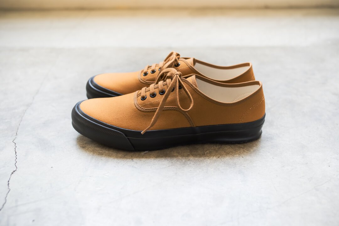 DOEK SHOE INDUSTRIES / OXFORD BROWN PARA