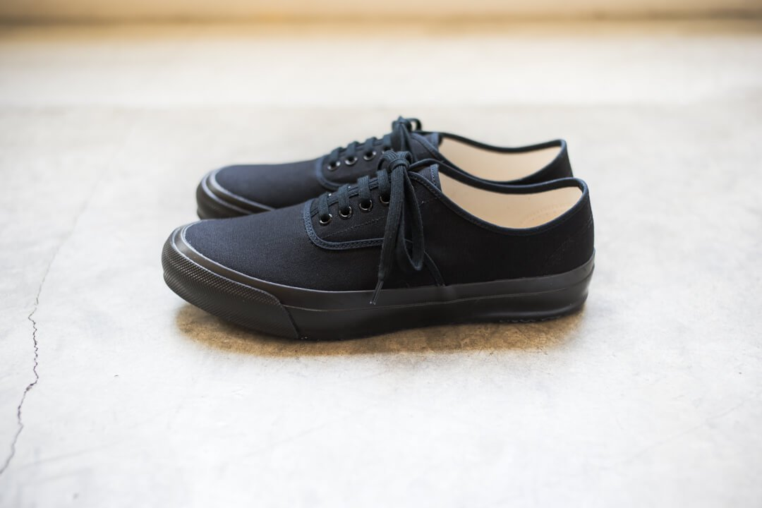 DOEK SHOE INDUSTRIES / OXFORD BLACK PARA