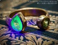 【古硝子 ウランガラス&ペリドット★8月誕生石】燐光の国の宝石&地球の結晶/指輪