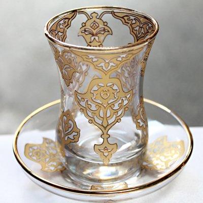 トルコのチャイグラス&ソーサー ラグジュアリーホワイト&ゴールド