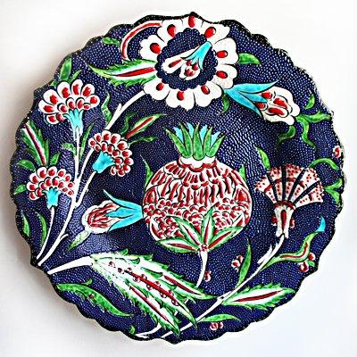 トルコ☆キュタフヤ陶器の平絵皿M ネイビー&ホワイト・レッドフラワー