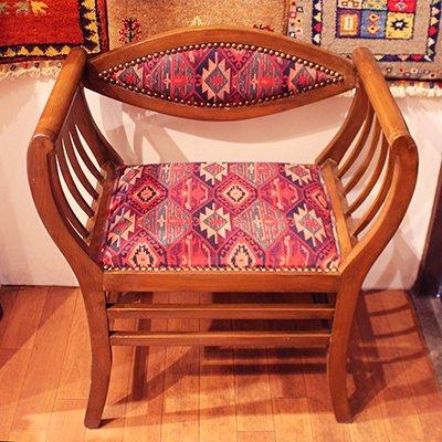 トルコの椅子 オールドキリムスツール レッド・ネイビー