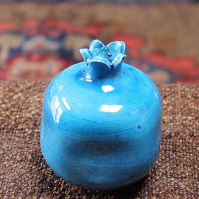 キュタフヤ陶器のザクロ一輪挿し M ブルー
