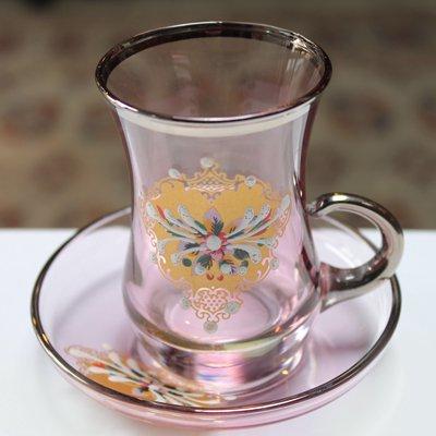 トルコのチャイグラス&ソーサー ピンク&シルバー 装飾 取っ手付き