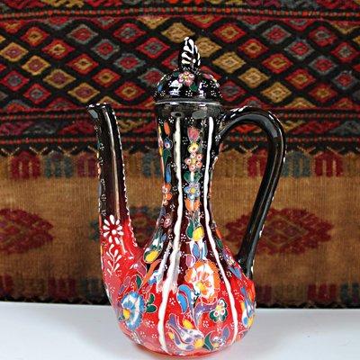 トルコ☆キュタフヤ陶器の飾り壺 蓋付 ブラック&レッド