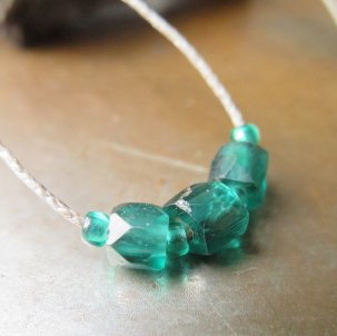 緒 ロシアンブルー 緑 ×3 ネックレス
