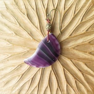 icco ウェディングビーズ 紫マーブル + 真鍮 ピアス&イヤリング