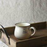 11.5cmホーロー風マグカップ ホワイト 英字柄