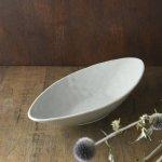 艶粉引き カヌー型深皿(カレー皿・パスタ皿)