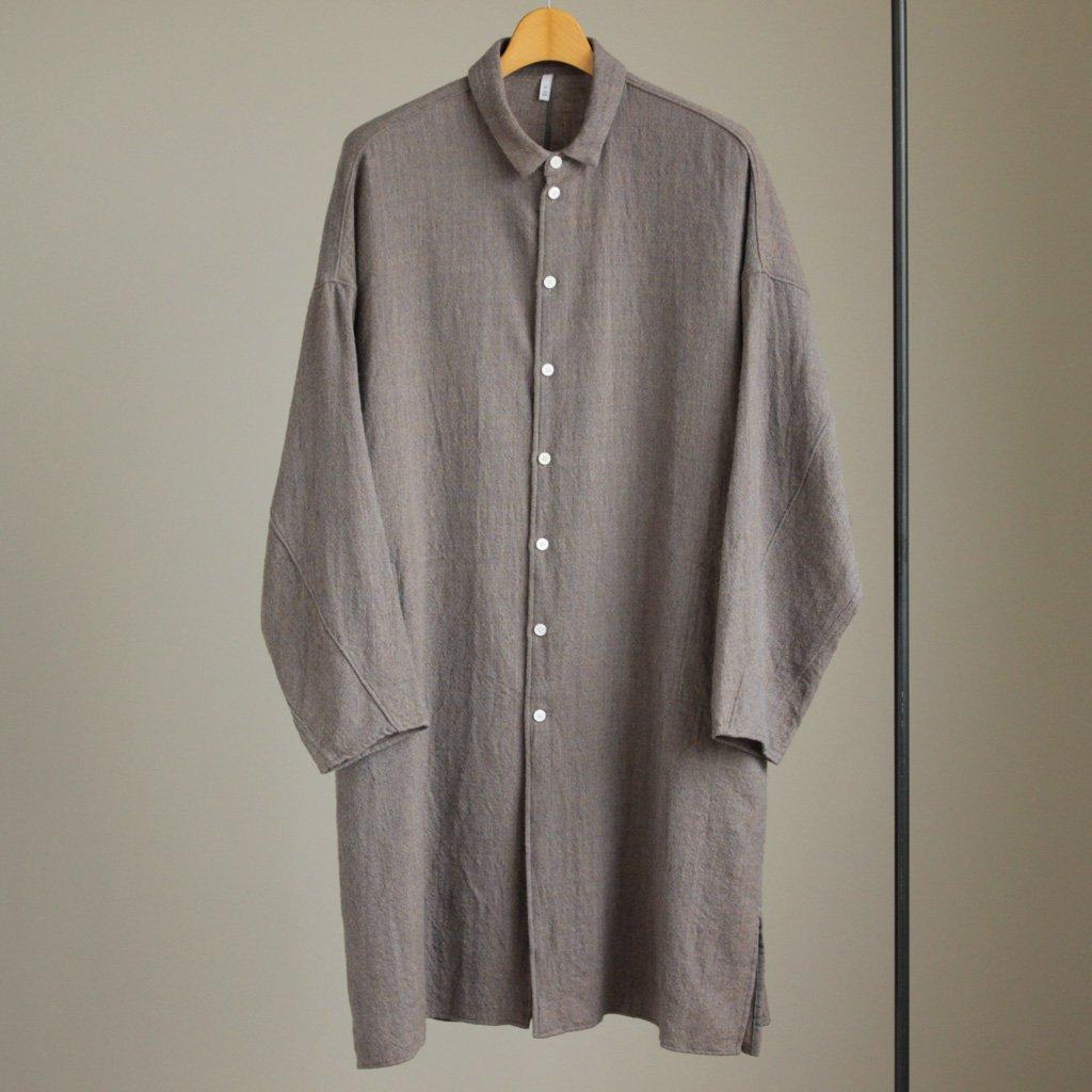 FIRMUM | フィルマム FBGSH|梳毛トップウール縮絨ガーゼツイルビッグシャツワンピース #grey×camel top
