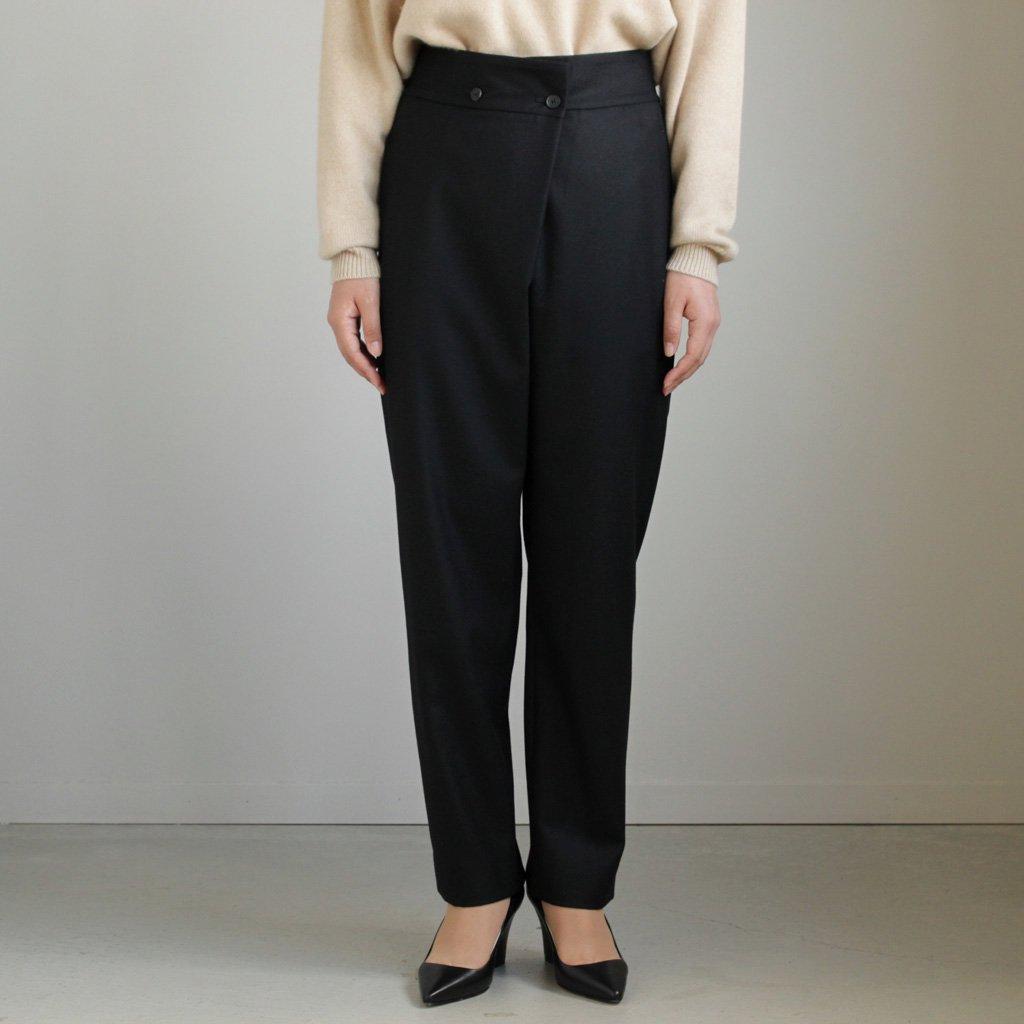 FRONT TUCK STRAIGHT PANTS #BLACK/SUPER 140 FLANNEL [PRAGLW0904]