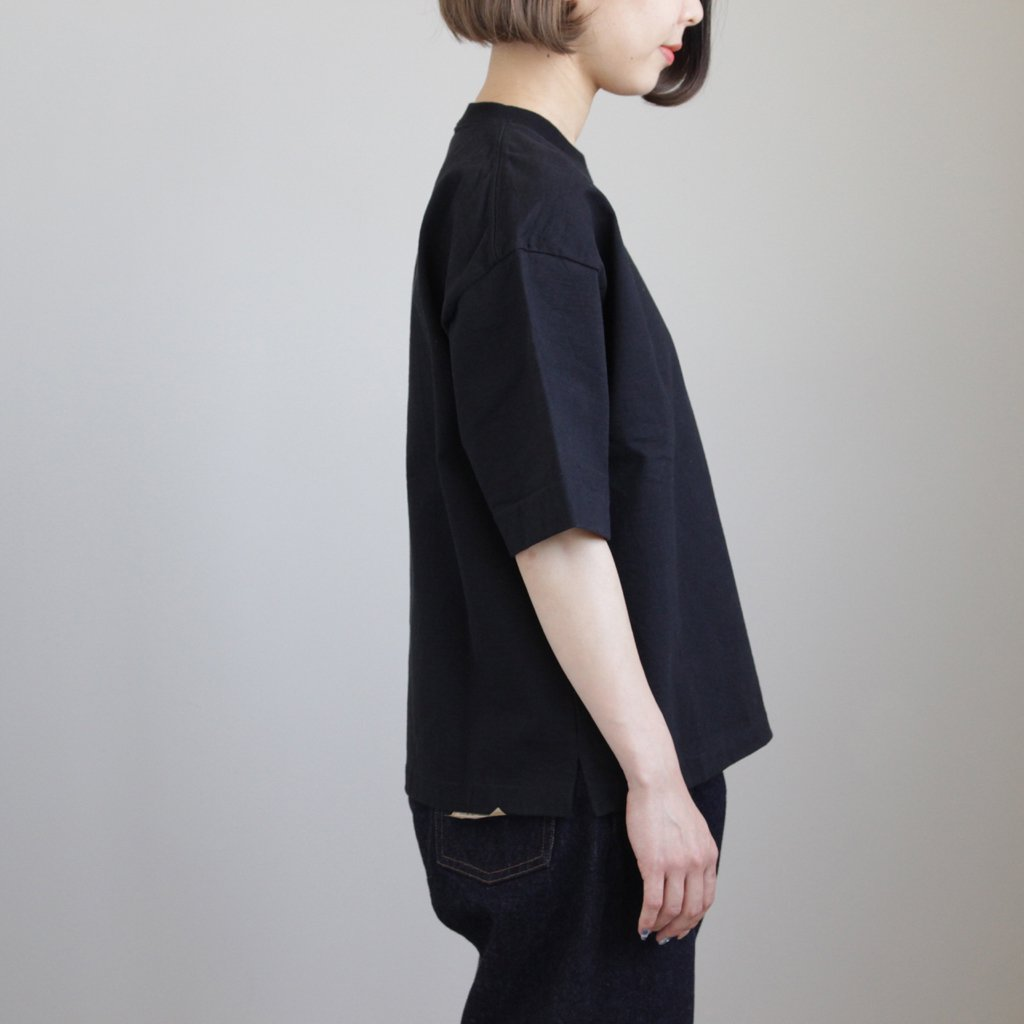 STAND-UP TEE #BLACK [A8ST04SU]