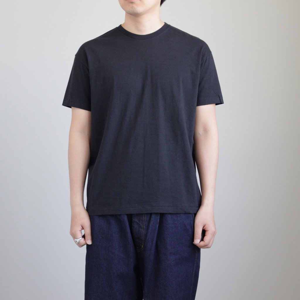 SEAMLESS CREW NECK TEE #BLACK [A00T01ST]