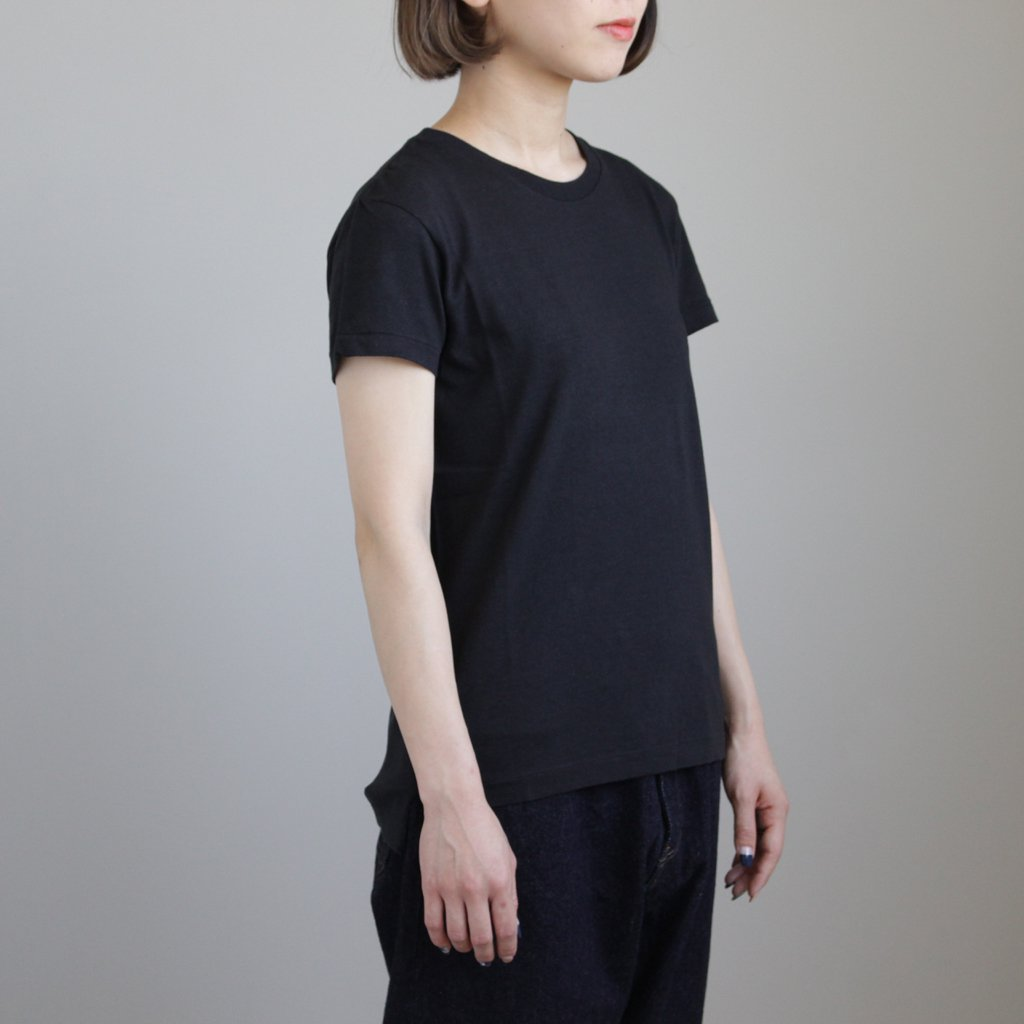 SEAMLESS CREW NECK TEE #BLACK [A00T04ST]