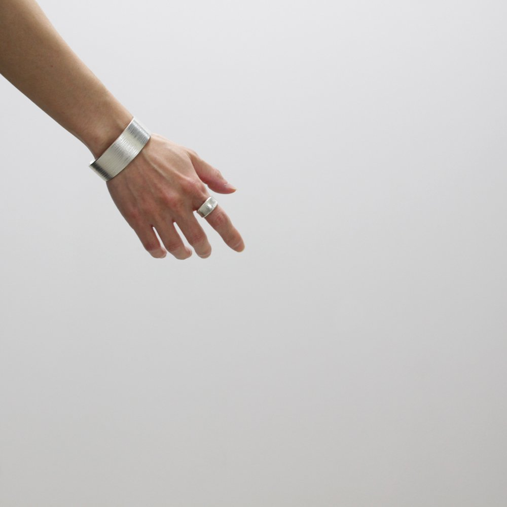 Chris Pruitt - LAGUNA TEXTURING BANGLE A #SILVER