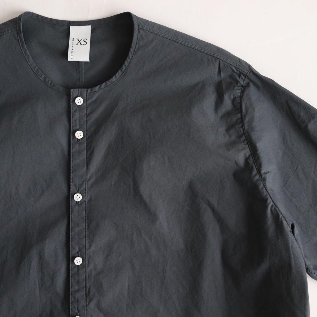 NLSNS 60/-コンパクトコットンライトタイプライター ノーカラーセミワイドシャツ #SLATE GREY [S9-NC013SF]