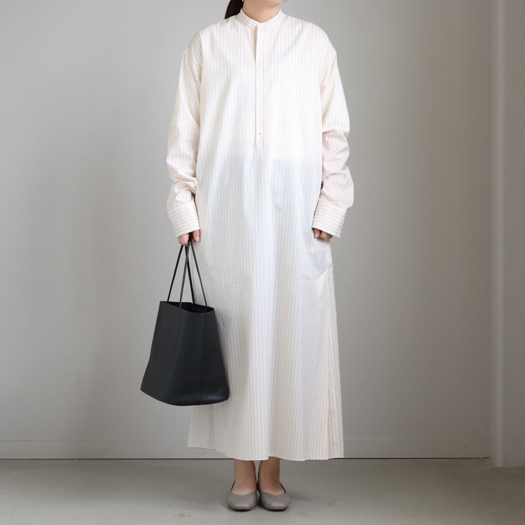 <img class='new_mark_img1' src='https://img.shop-pro.jp/img/new/icons1.gif' style='border:none;display:inline;margin:0px;padding:0px;width:auto;' />FINX SILK STRIPE LONG ONE-PIECE #BEIGE STRIPE [A20SD01FS]