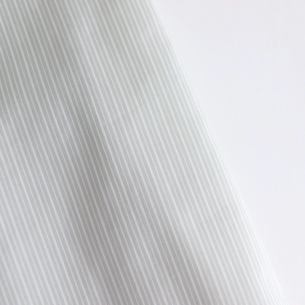 <img class='new_mark_img1' src='https://img.shop-pro.jp/img/new/icons1.gif' style='border:none;display:inline;margin:0px;padding:0px;width:auto;' />FINX SILK STRIPE LONG ONE-PIECE #LIGHT GRAY STRIPE [A20SD01FS]