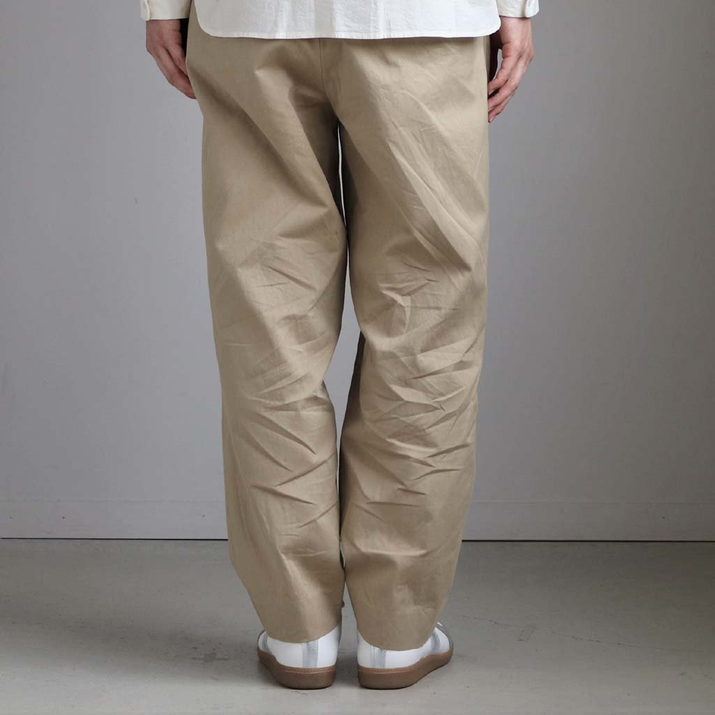 <img class='new_mark_img1' src='https://img.shop-pro.jp/img/new/icons1.gif' style='border:none;display:inline;margin:0px;padding:0px;width:auto;' />CHINO CLOTH PANTS TUCK TAPERED #KHAKI [10607]