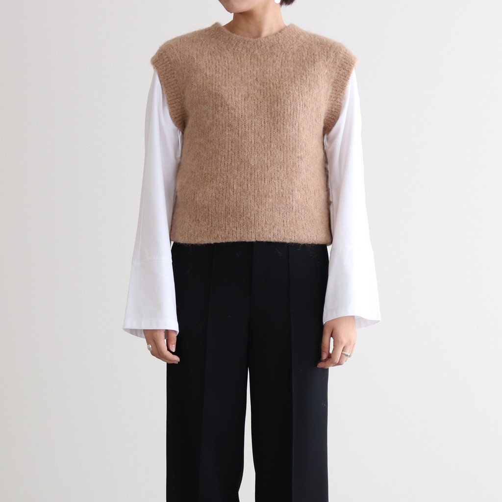 <img class='new_mark_img1' src='https://img.shop-pro.jp/img/new/icons1.gif' style='border:none;display:inline;margin:0px;padding:0px;width:auto;' />ALPACA WOOL SUPER LIGHT KNIT VEST #TOP BEIGE [A20AV05AW]