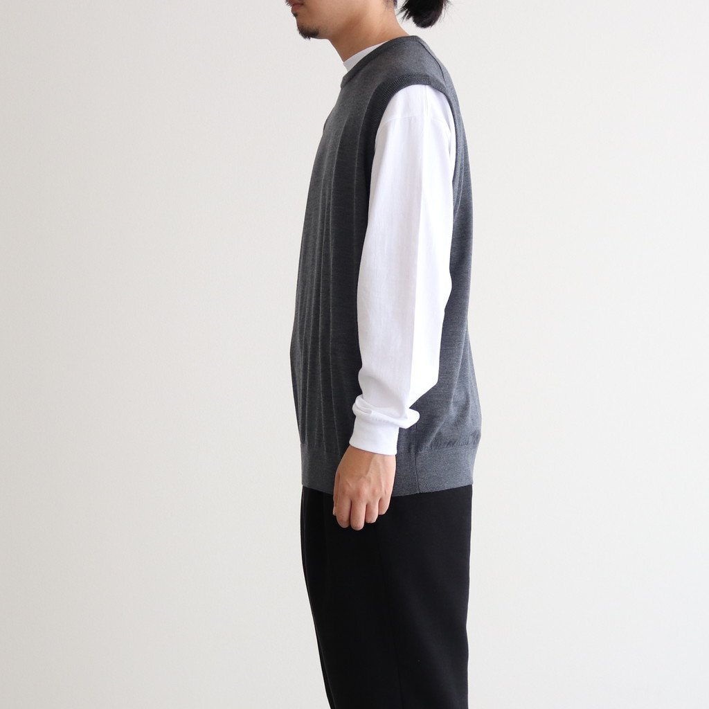 <img class='new_mark_img1' src='https://img.shop-pro.jp/img/new/icons1.gif' style='border:none;display:inline;margin:0px;padding:0px;width:auto;' />HIGH GAUGE KNIT VEST #C.GRAY [GM203-80016B]