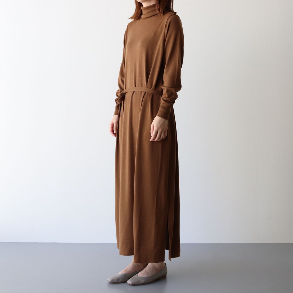 <img class='new_mark_img1' src='https://img.shop-pro.jp/img/new/icons1.gif' style='border:none;display:inline;margin:0px;padding:0px;width:auto;' />HIGH GAUGE TURTLE NECK KNIT DRESS #BROWN [GL203-80020]