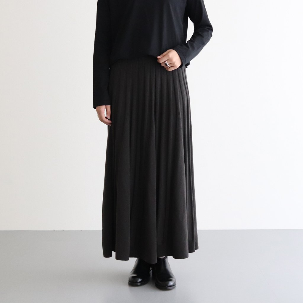 <img class='new_mark_img1' src='https://img.shop-pro.jp/img/new/icons1.gif' style='border:none;display:inline;margin:0px;padding:0px;width:auto;' />SLOW WOOL RIB FLARED SKIRT #CHARCOAL GRAY [SKAGBW0800]
