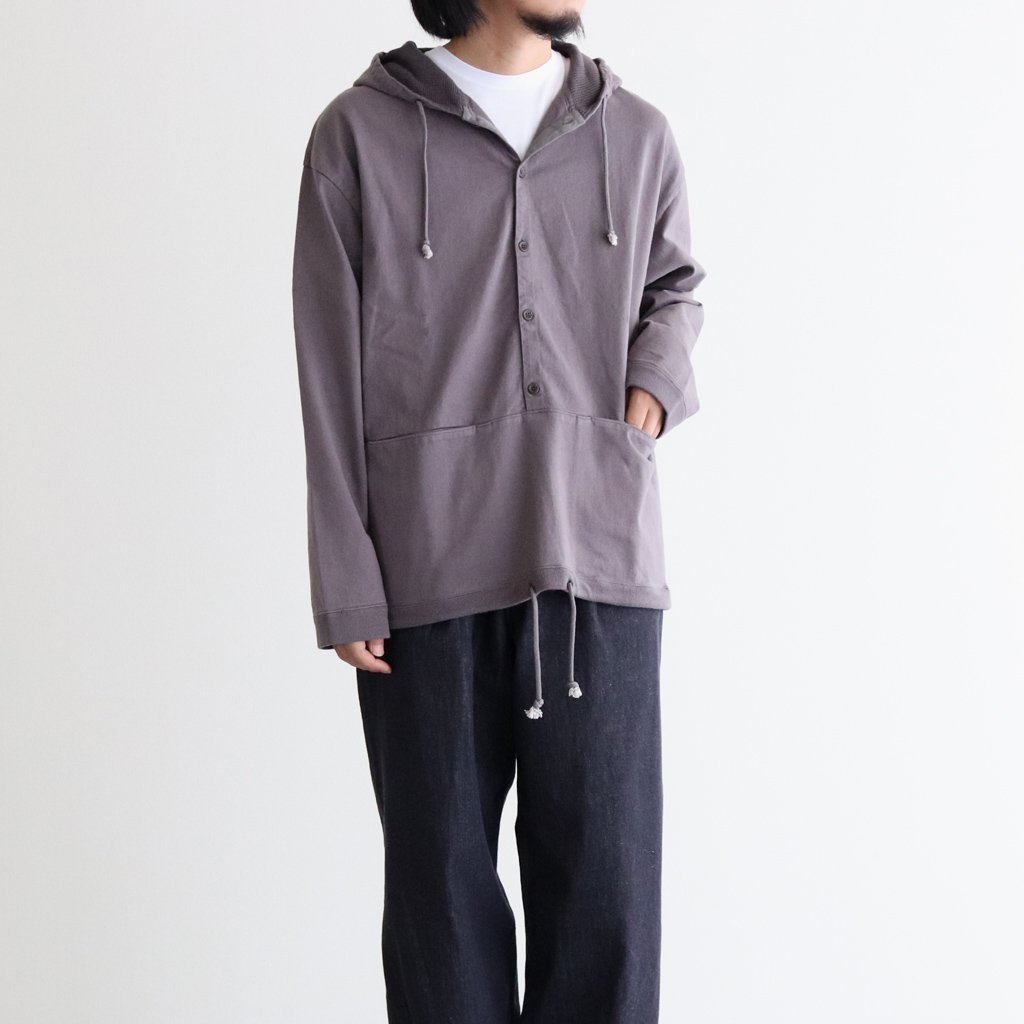 <img class='new_mark_img1' src='https://img.shop-pro.jp/img/new/icons1.gif' style='border:none;display:inline;margin:0px;padding:0px;width:auto;' />BUTTON P/O HOODIE #D.GRAY [2003-012]