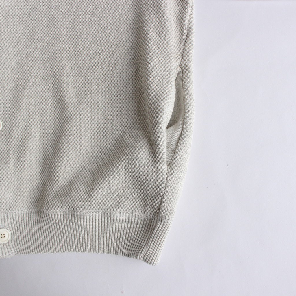 <img class='new_mark_img1' src='https://img.shop-pro.jp/img/new/icons1.gif' style='border:none;display:inline;margin:0px;padding:0px;width:auto;' />MOSS STITCH CREW CARDIGAN #WHITE [2003-002]