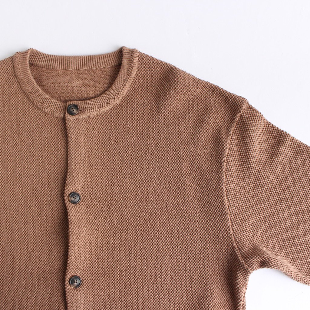 <img class='new_mark_img1' src='https://img.shop-pro.jp/img/new/icons1.gif' style='border:none;display:inline;margin:0px;padding:0px;width:auto;' />MOSS STITCH CREW CARDIGAN #L.BROWN [2003-002]