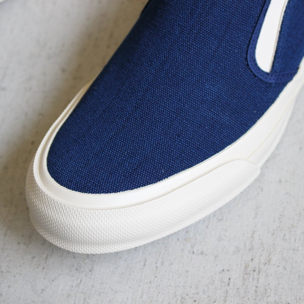 DOEK SLIP-ON #NAVY