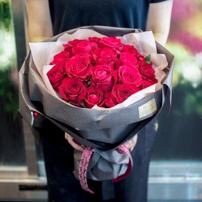 赤バラの花束 ブーケタイプ