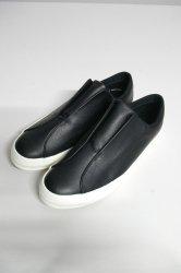 M.U.G × MOONSTAR/Grain Leather Sneaker/Black × White