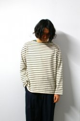 URU(ウル)/COTTON BORDER BOAT NECK TEE/Beige × Green
