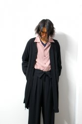 ETHOSENS(エトセンス)/Embossed long shirt/Black