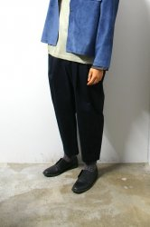 URU(ウル)/COTTON 2TUCK PANTS/Black
