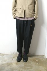 URU(ウル)/1TUCK PANTS/Black