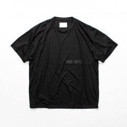stein(シュタイン)/PRINT TEE - HELVETICA -/Black