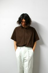 URU(ウル)/CREW NECK S/S TEE/Brown