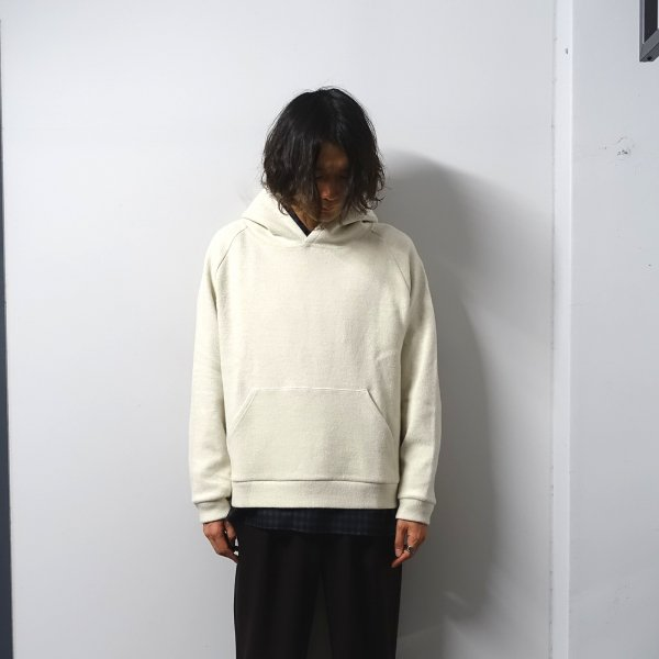 <img class='new_mark_img1' src='https://img.shop-pro.jp/img/new/icons13.gif' style='border:none;display:inline;margin:0px;padding:0px;width:auto;' />URU(ウル)/KNIT PARKA/Ivory