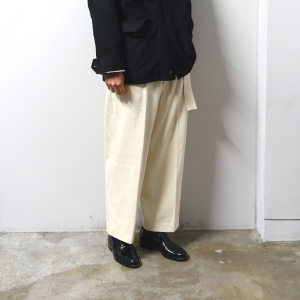 <img class='new_mark_img1' src='https://img.shop-pro.jp/img/new/icons13.gif' style='border:none;display:inline;margin:0px;padding:0px;width:auto;' />URU(ウル)/BELTED PANTS/Ivory