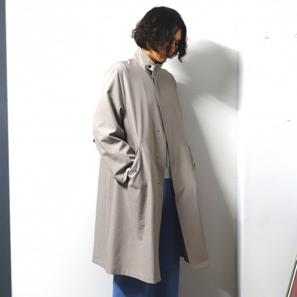 <img class='new_mark_img1' src='https://img.shop-pro.jp/img/new/icons13.gif' style='border:none;display:inline;margin:0px;padding:0px;width:auto;' />URU(ウル)/FLY FRONT OVER COAT/Greige