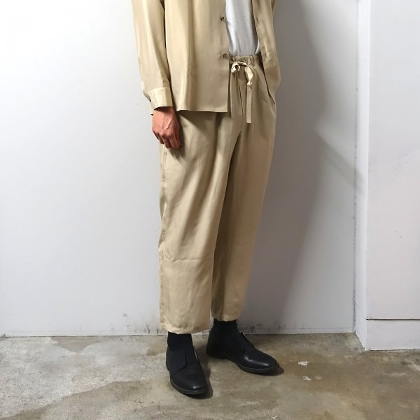 <img class='new_mark_img1' src='https://img.shop-pro.jp/img/new/icons13.gif' style='border:none;display:inline;margin:0px;padding:0px;width:auto;' />URU(ウル)/EASY PANTS/Beige