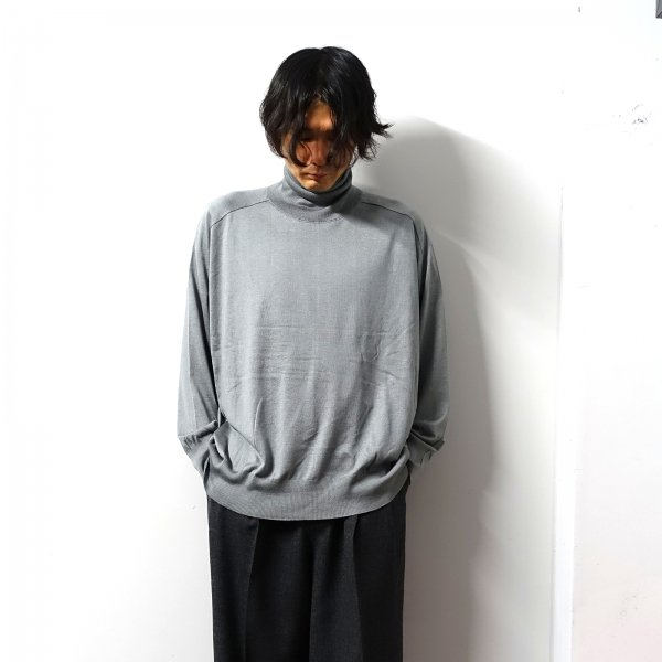 <img class='new_mark_img1' src='https://img.shop-pro.jp/img/new/icons16.gif' style='border:none;display:inline;margin:0px;padding:0px;width:auto;' />URU(ウル)/TURTLE NECK KNIT/Gray