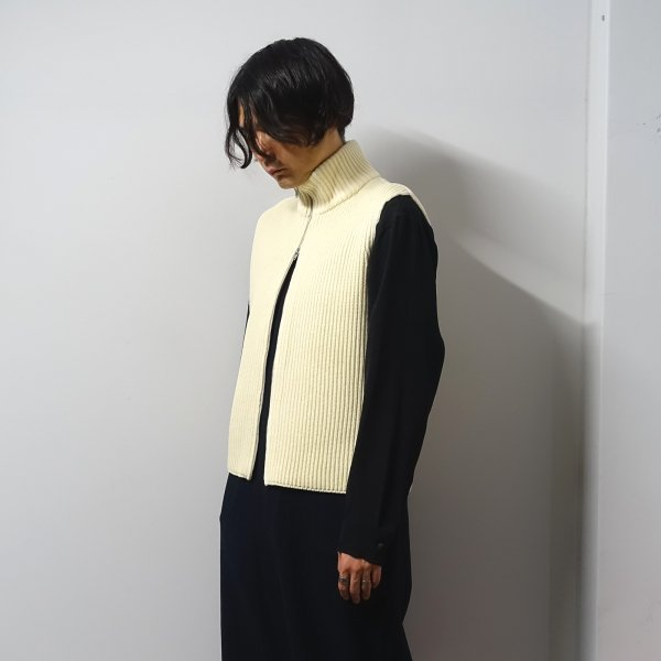 <img class='new_mark_img1' src='https://img.shop-pro.jp/img/new/icons13.gif' style='border:none;display:inline;margin:0px;padding:0px;width:auto;' />URU(ウル)/ZIP UP KNIT VEST/Natural