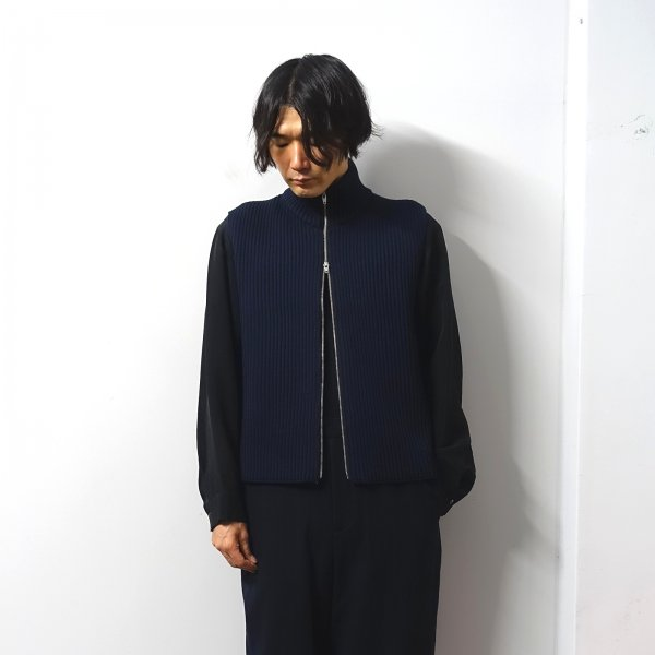<img class='new_mark_img1' src='https://img.shop-pro.jp/img/new/icons13.gif' style='border:none;display:inline;margin:0px;padding:0px;width:auto;' />URU(ウル)/ZIP UP KNIT VEST/Navy