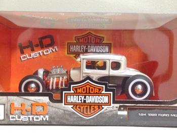 【Maisto】マイスト 1:24  ハーレー 1929 フォードモデルA ホワイト/ブラック ミニカー