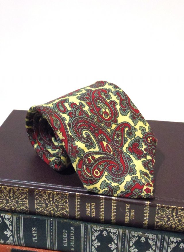 70's Vintage Neck Tie LIBERTY OF LONDON<img class='new_mark_img2' src='https://img.shop-pro.jp/img/new/icons8.gif' style='border:none;display:inline;margin:0px;padding:0px;width:auto;' />